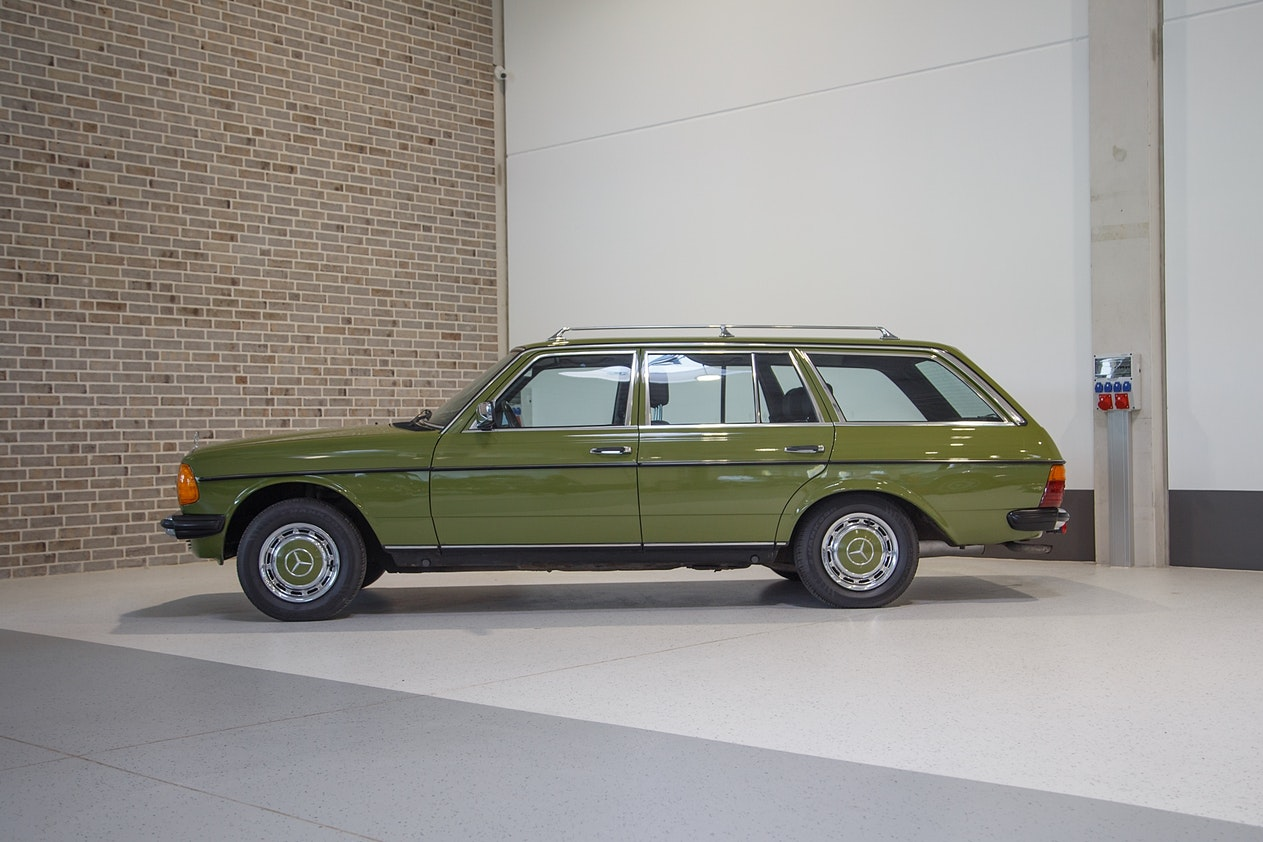 1982 MERCEDES-BENZ (W123) 230 TE