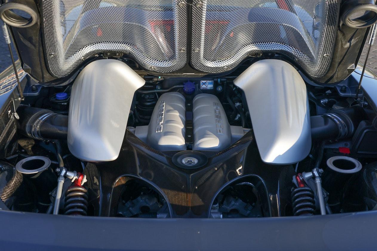 2004 PORSCHE CARRERA GT - EX-JENSON BUTTON