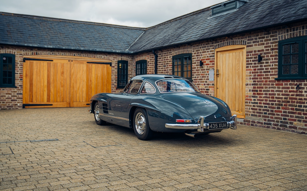 CHARITY AUCTION - MERCEDES-BENZ 300 SL 'GULLWING' DRIVING EXPERIENCE
