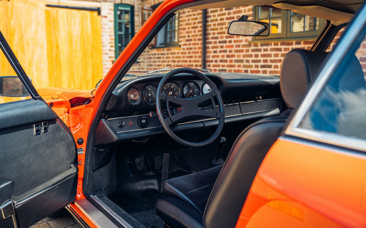 CHARITY AUCTION - PORSCHE 911 CARRERA 2.7 RS DRIVING EXPERIENCE