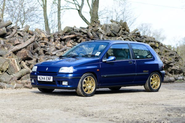 1995 RENAULT CLIO WILLIAMS 3 - 13,700 MILES FROM NEW