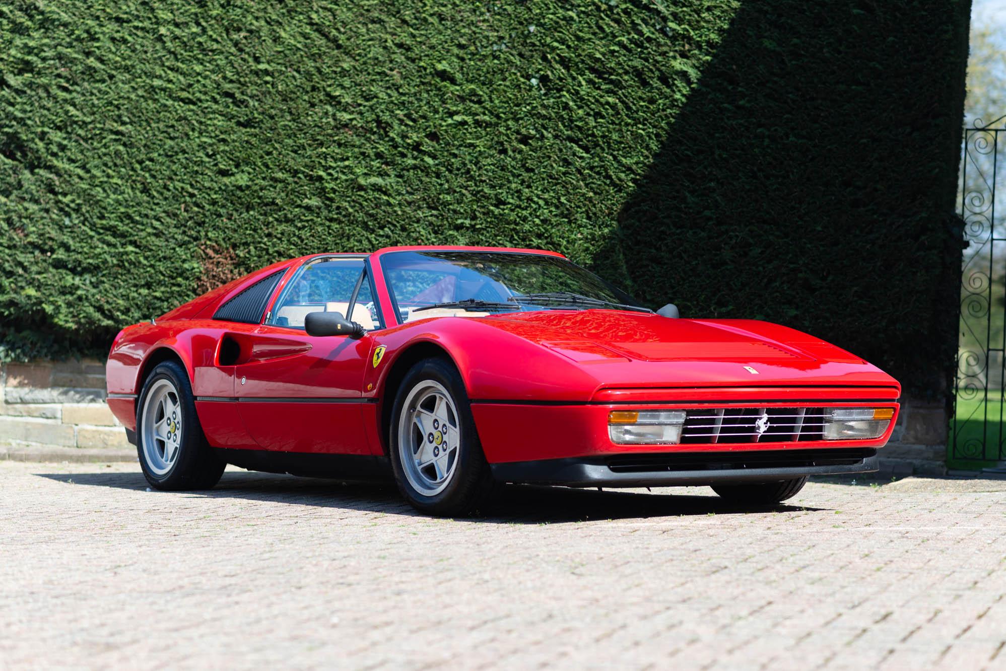 328 Ferrari Ekonomičan Rabljeni Automobil