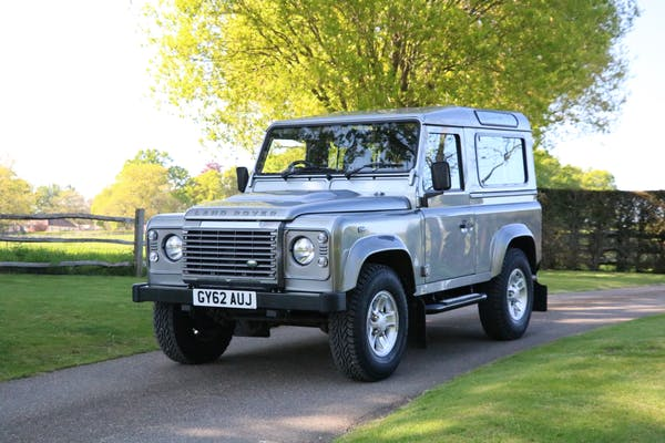 2012 LAND ROVER DEFENDER 90 XS - 11,000 MILES FROM NEW