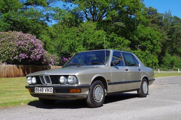 1985 BMW (E28) 520i