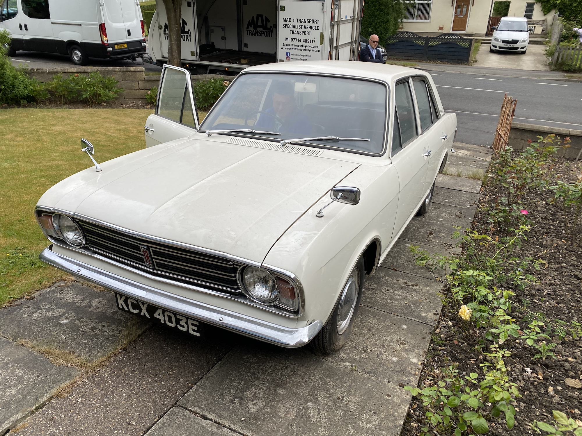 1967 FORD CORTINA 1500 SUPER AUTOMATIC - 6,210 MILES FROM NEW
