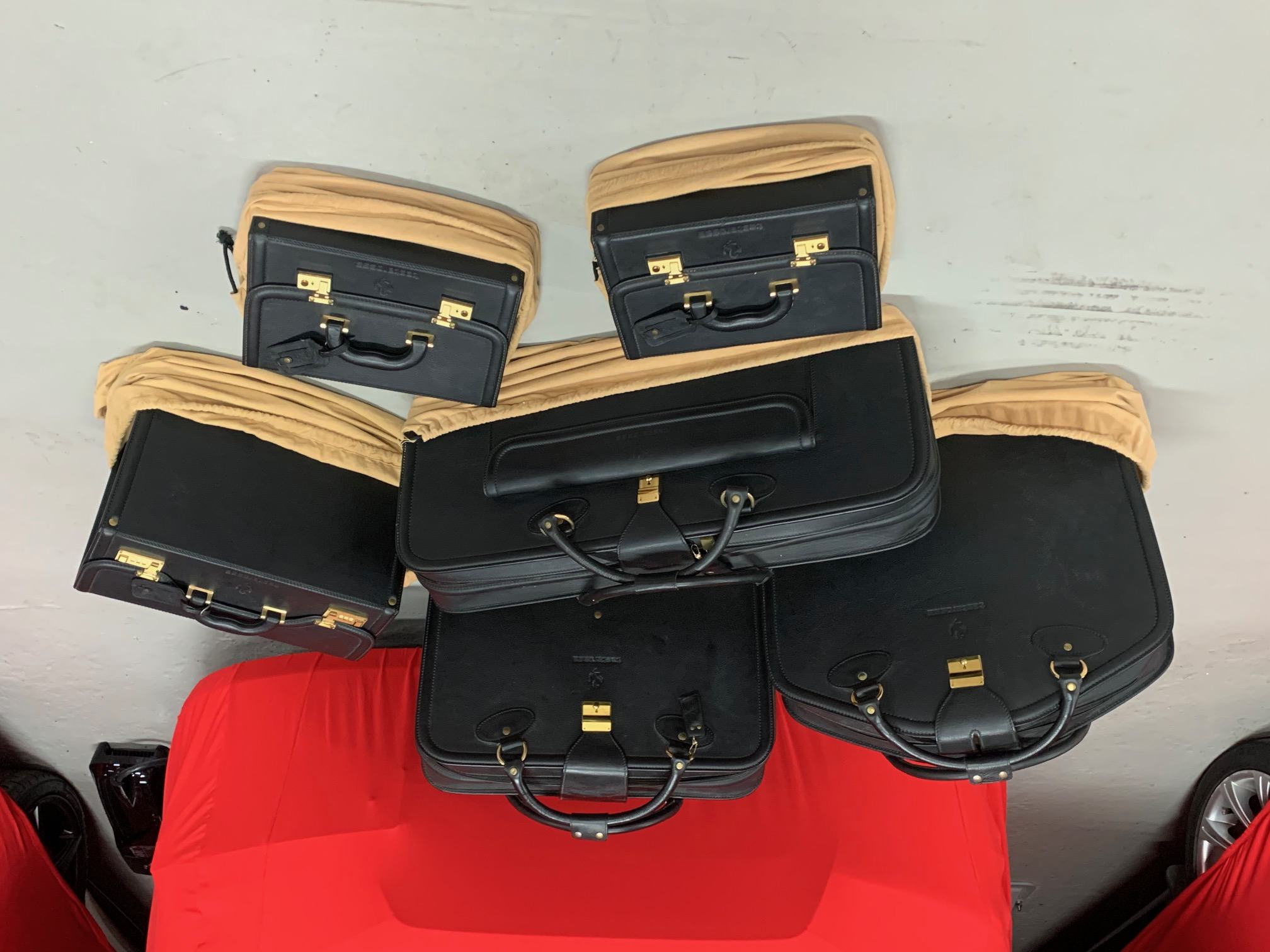 SCHEDONI LUGGAGE FOR FERRARI TESTAROSSA - COMPLETE SET