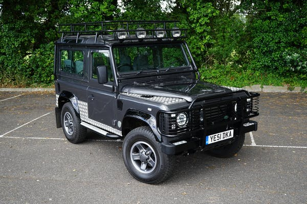 2001 LAND ROVER DEFENDER 90 'TOMB RAIDER'
