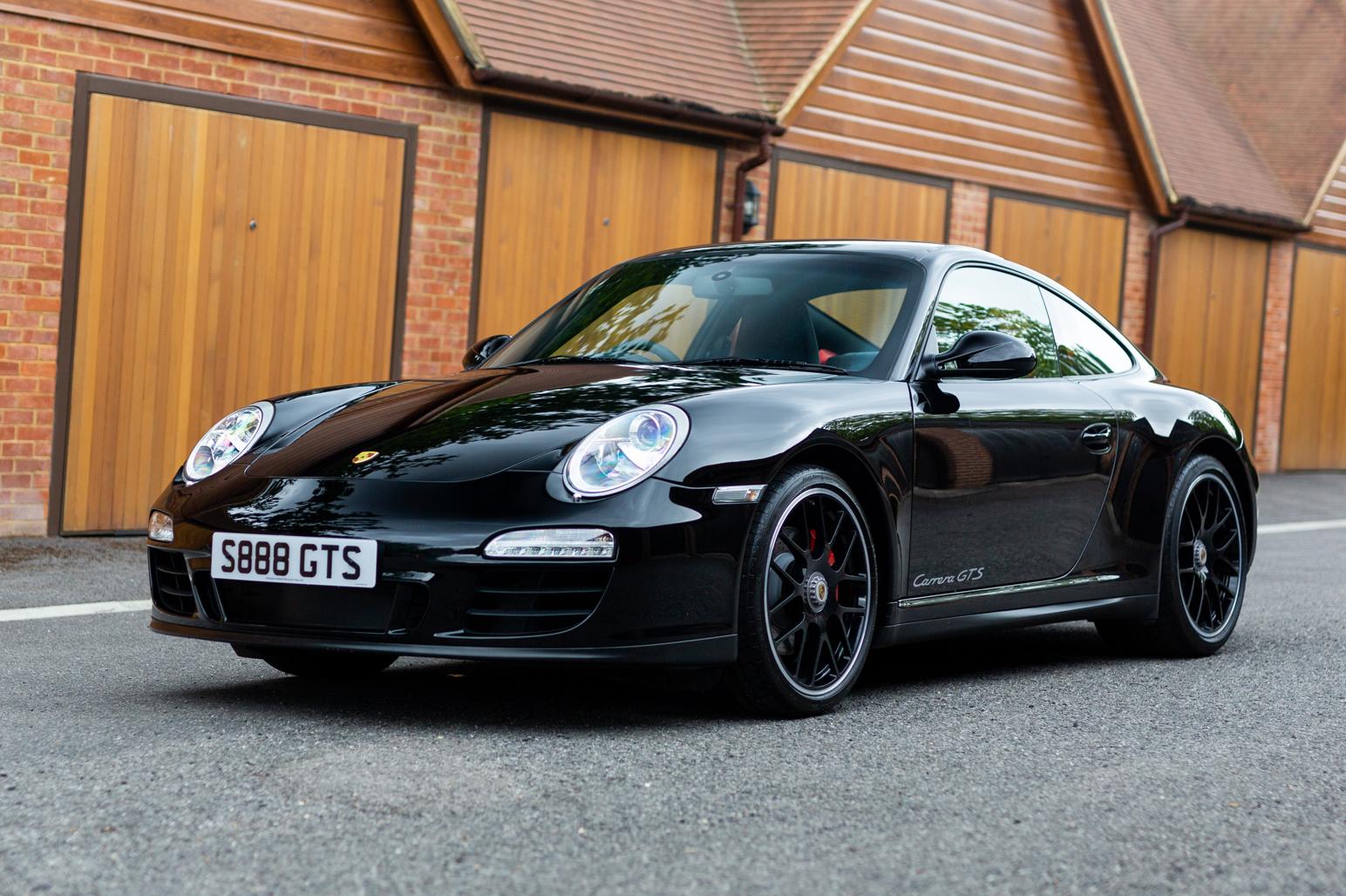 2012 PORSCHE 911 (997.2) CARRERA GTS - MANUAL