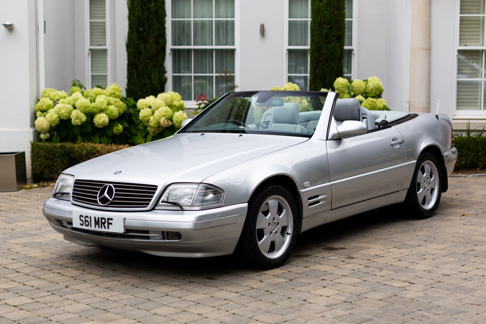 1999 MERCEDES-BENZ (R129) SL320
