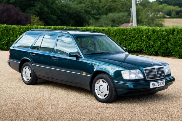 NO RESERVE: 1996 MERCEDES-BENZ (W124) E200T ESTATE