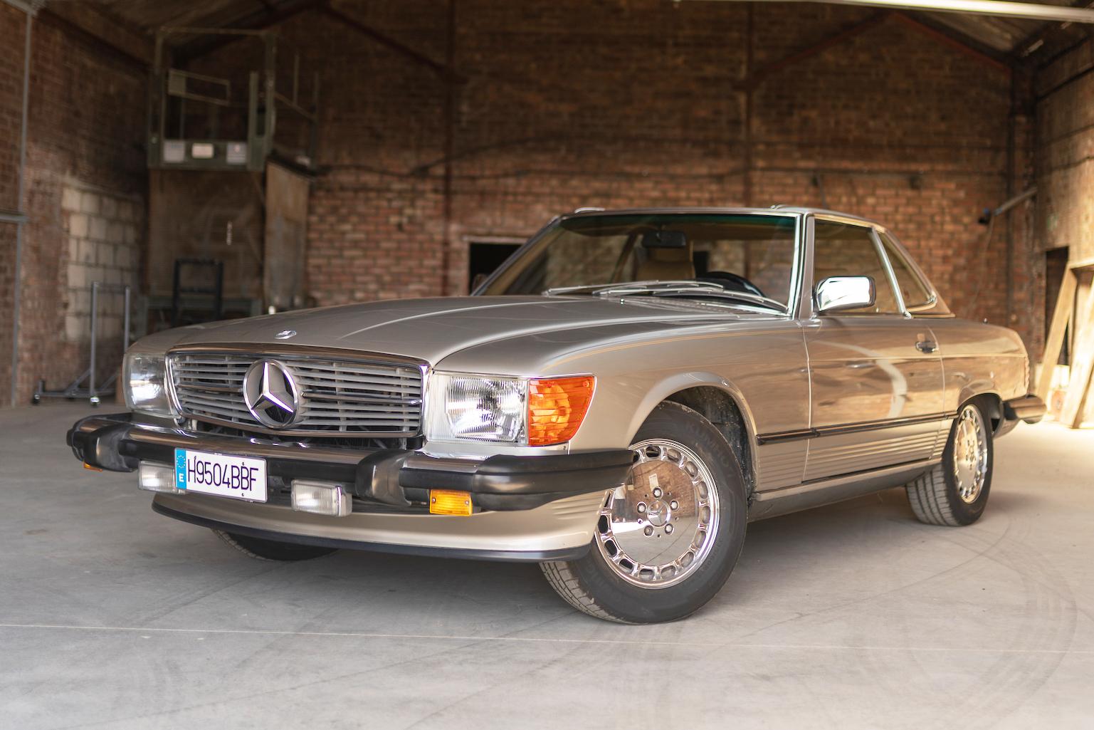1988 MERCEDES-BENZ (R107) 560 SL - LHD