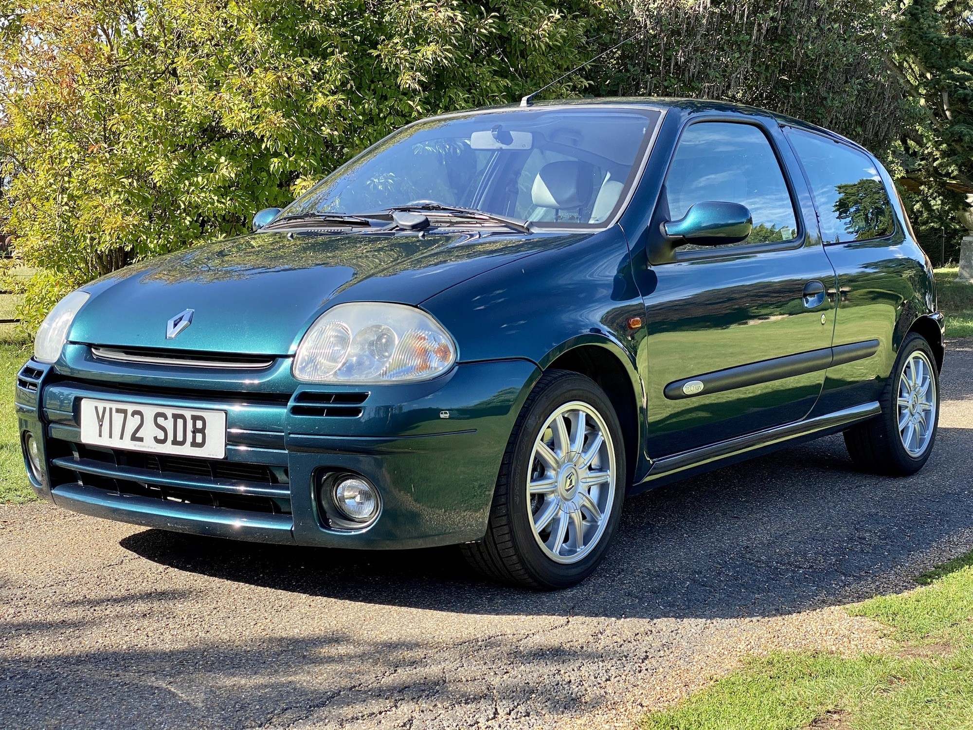 2001 RENAULTSPORT CLIO 172 EXCLUSIVE