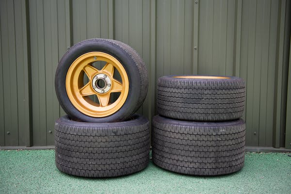 FERRARI 365GTB/4 COMPETIZIONE - SET OF WHEELS AND TYRES