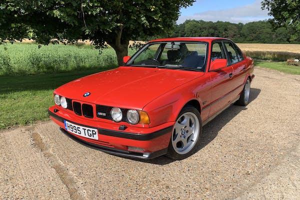 1990 BMW M5 (E34)