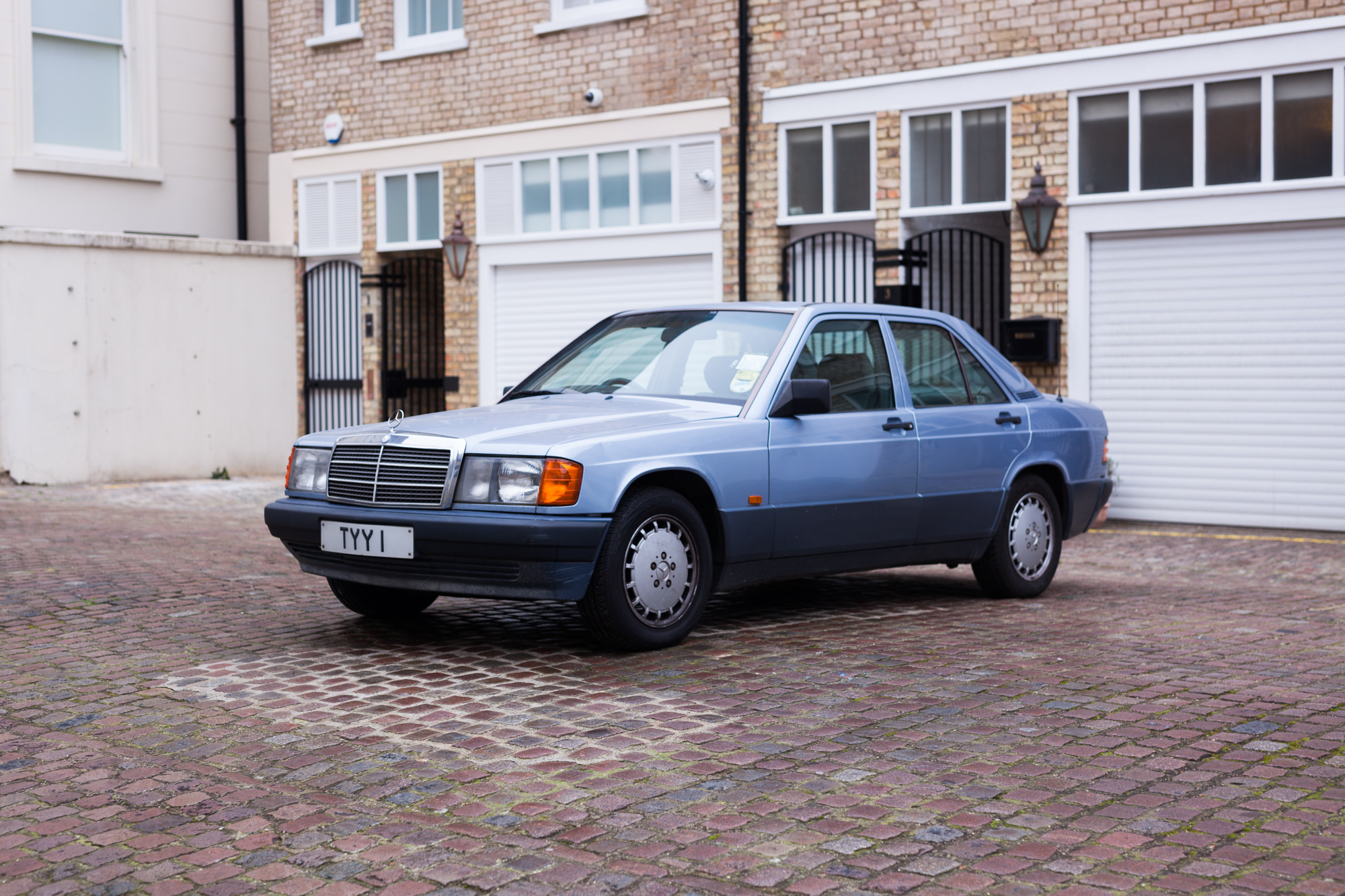 21+ 1990 Mercedes 190E